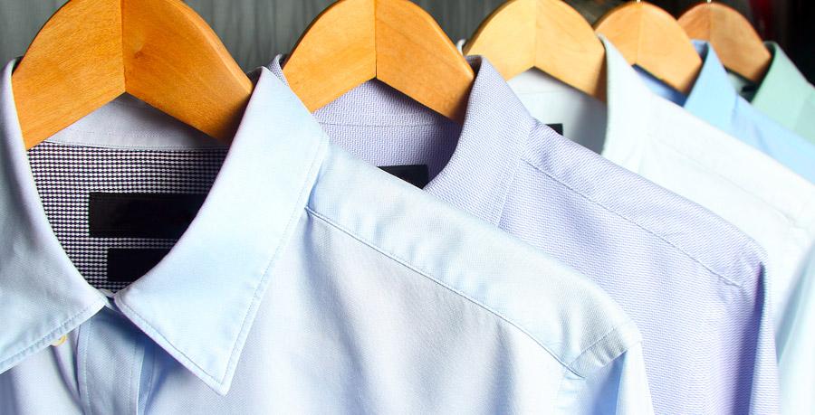 camicie in lavatrice facendo un bucato misto