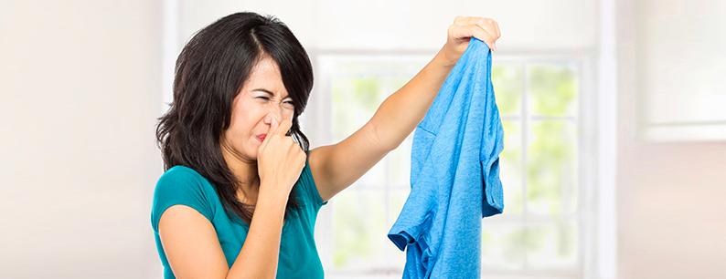 cattivo odore panni lavatrice