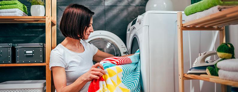 L'ozonizzatore elimina i cattivi odori dai panni in lavatrice