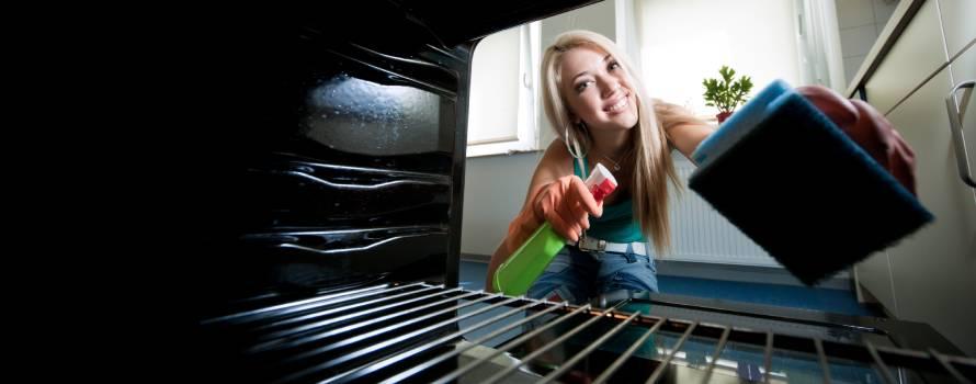 Le soluzioni migliori per come pulire il forno