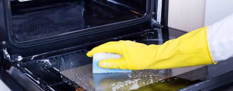come pulire il vetro del forno