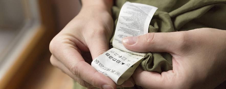 leggere sempre le etichette dei vestiti prima del lavaggio
