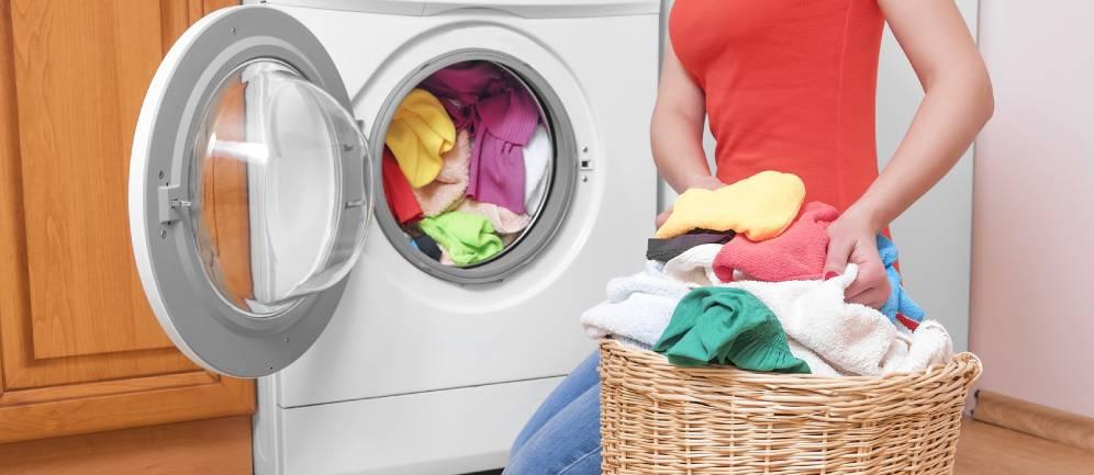 distinguere i panni prima di inserirli nella lavatrice