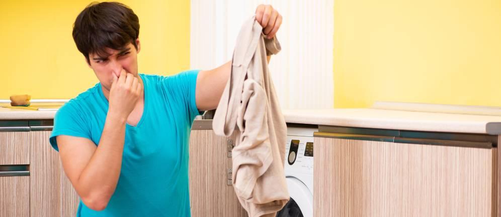 il cattivo odoro dalla lavatrice